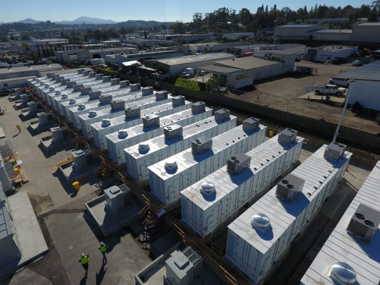The world's biggest lithium battery farm